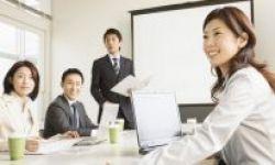"""""""Quản trị"""" biến nhân viên thành người phi thường, """"quản lý"""" biến người phi thường thành kẻ tầm thường"""